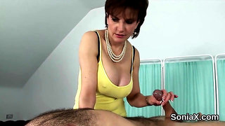 Adulterous english milf lady sonia flaunts her heavy globes