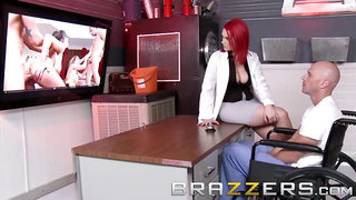 BRAZZERS - Redheaded Sex Doctor Siri in the Pavslut Experiment