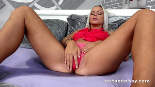 Quite bootyful blonde lady Julia Parker uses a metal vaginal speculum