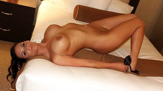 Phoenix Marie brings stranger to her hotel for a quick fuck
