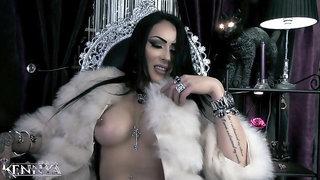 Mistress Kennya- my friend, Findom