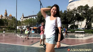 Hot amateur Asian girl Fang gets her pussy licked and fucked by horny tourist