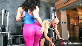 Check out the meaty ass and big tits on this hot gym bunny.
