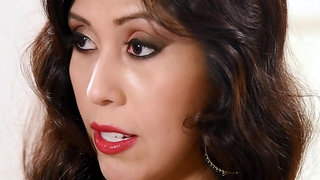Jugs Porn Vee VonSweets - New Discovery, Plumper