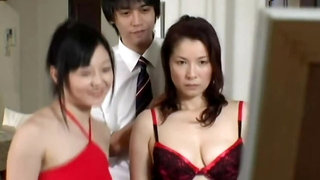 Women was teased in fitting room