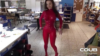 Sexyass Thick Knotasha in red latex catsuit