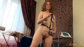 Mature mandy wants you to watch her undress
