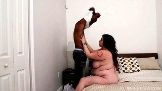 Black guys love fat white girls very much