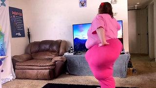 SSBBW Huge ass dance