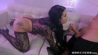 Fine ass woman handles a big dick in excellent porn scenes