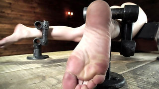 Bearded man exploits only vibrator and fingers to make MILF cum