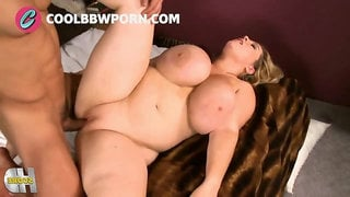 Juicy plumper with fat ass gets dicked - amateur hardcore with cumshot
