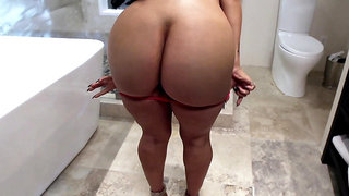 Cuban bitch Valerie Kay teases in the bathroom and takes a shower