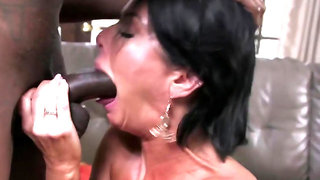 Experienced mature with big, firm tits knows how to cheat on her husband, without getting caught
