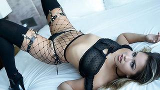 Alina Lopez: BJ & Multi-Orgasmic Fuck