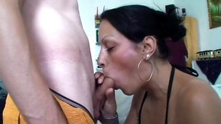 TuttiFrutti - Slutty Wife Outdoors Bukkake