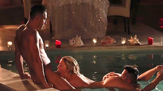 Hot Sienna Day gives a blowjob and has sex in the pool