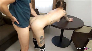 Schlankes deutsches Tattoo Teen vom Chef im Hotel AO gefickt