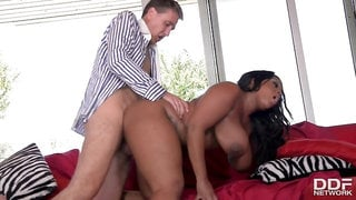 Big Ass Workout Porn: Busty Black Babe Fucked Hard At Gym