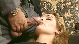 Horny Man Shoves His Thick Veiny Dick In The Mouth Of Vintage Beauty