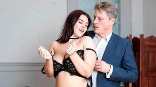 Effie Diaz, Curvy College Girl Seduces the Teacher