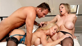 Brandi Love & Dee Williams Share Each Other And A Thick Cock