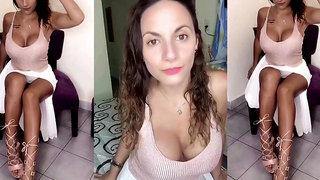 Leonela nos muestra como maquillarle la cara de leche