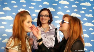 Tainster - Lipstick Lesbos Tear Into Each Other