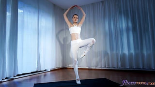 Ballet teacher threesome with hunks