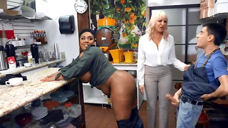 Naughty barista has sex with Ebony client and dazzling manager