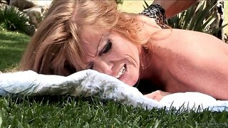 Cheating MILF wife Darla Crane fucking with her lover in the park