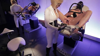 Clinic games - Latex beauty fills up his ass