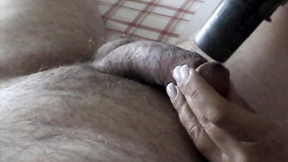 She vacuums my cock but cant resist sucking on it