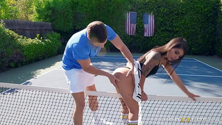 Outdoor sexual fun on the tennis court for a sexy ass wife