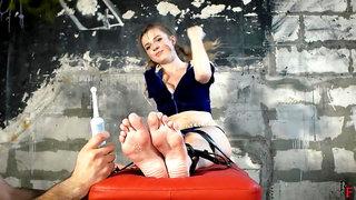 Russian Tickling - First Foot Tickling Beauty Feet