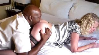 Sexy blond wifey loves bbc in motel meet
