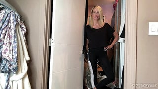 Kinky svelte blonde Jessica Drake shows off how she gets ready for work