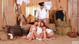Angelic models Henessy, Kiara Lord and Bonnie Shai are sucking a big boner