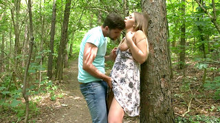 Romantic outdoor tryst for sensual blonde hottie Vyvan Hill