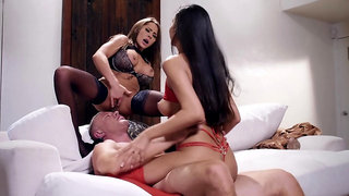 Seductive women share a big dick in hope for the biggest orgasms