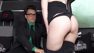 Sex freak Mini Hotcore blowing and fucking gentleman in the backseat of limo