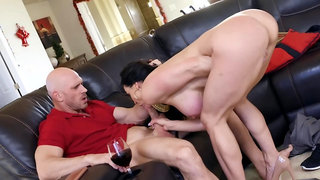 Kendra Lust uses cock of pizza delivery guy instead of pepperoni
