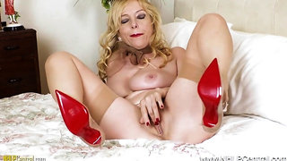 Ginormous Orbs Ash-Blonde COUGAR Lucy Gresty Masturbates off in Antique Girdle and Stocking
