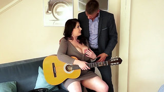 Big Hooters Porn Anna Beck - The Busty Busker, Plump