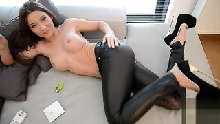 Julie skyhigh smoking and pee slut in leather leggings and extreme heels