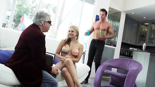 Extremely wild giant breasted blondie Sarah Vandella loves some cuni