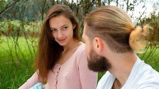 Hot brunette teen Alice Kingsly likes o8utdoor dick-riding