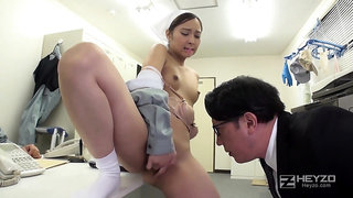 Asian doctor check up her hot pussy