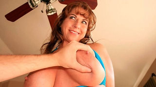 All-natural babe in blue lingerie Mrs. Valentina gives a hot blowjob