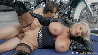 Old biker broad Sally D'Angelo gets it good from a young buck